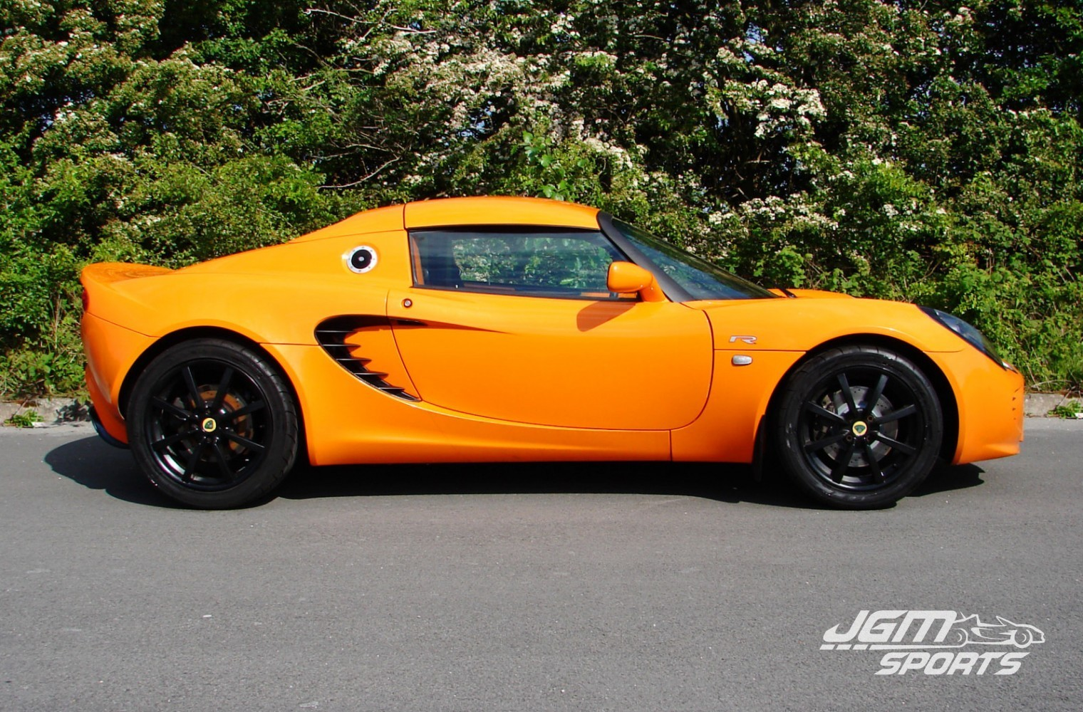 http://www.jgmsports.co.uk/wp-content/uploads/2007-S2-LOTUS-ELISE-R-1-OWNER-FROM-NEW-CHROME-ORANGE-1520x1000.jpg