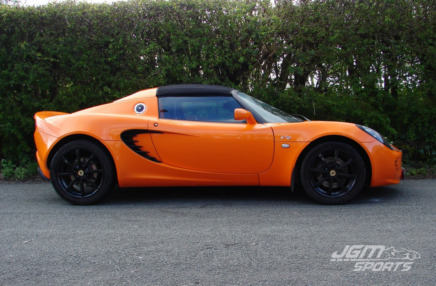 http://www.jgmsports.co.uk/wp-content/uploads/2007-S2-LOTUS-ELISE-R-2-OWNERS-FROM-NEW-CHROME-ORANGE-1520x1000.jpg