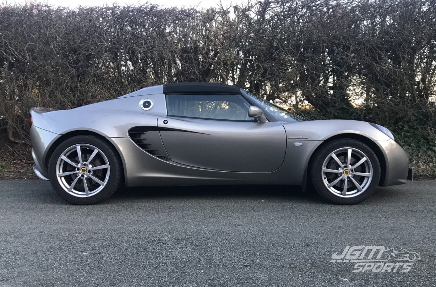 http://www.jgmsports.co.uk/wp-content/uploads/2007-S2-LOTUS-ELISE-R-SUPER-TOURING-SUPERCHARGED-STUNNING-CONDITION-1520x1000.jpg